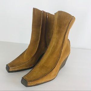 BRONX suede wedge ankle boots tan size 9.